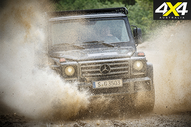 Mercedes-Benz G350d Professional front mud driving