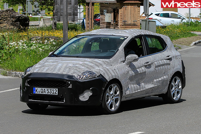 2018-Ford -Fiesta -spy -pic -front -side