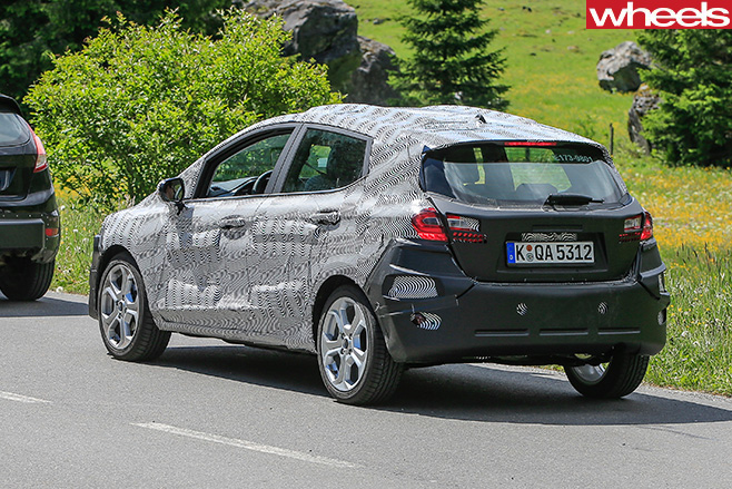 2018-Ford -Fiesta -spy -pic -rear -side