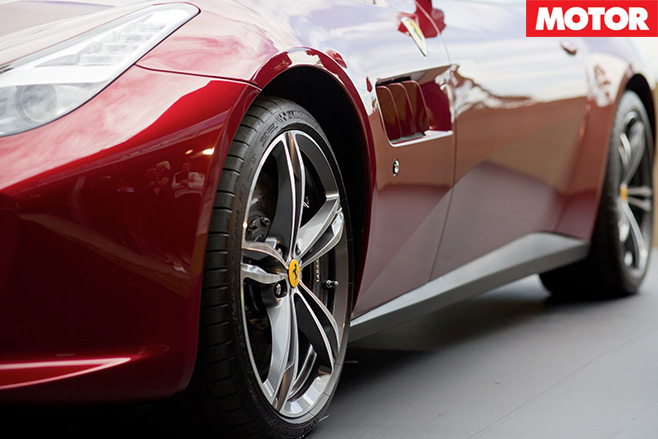 Ferrari GTC4Lusso details