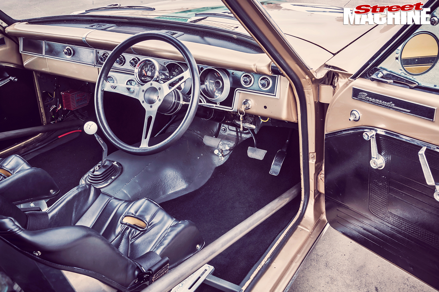 Plymouth -Barracuda -interior -front