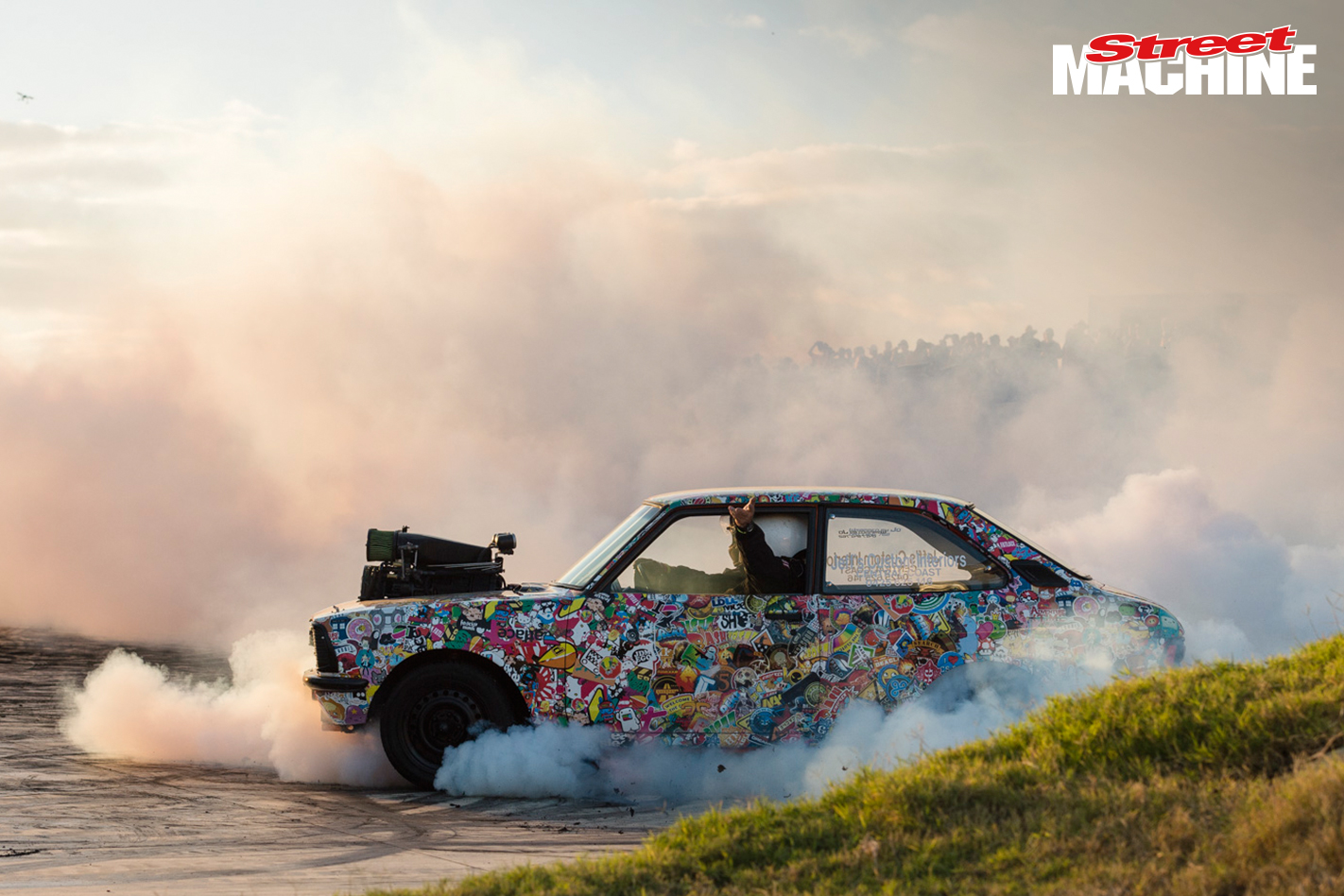 Blown V8 Datsun Burnout ULEGAL
