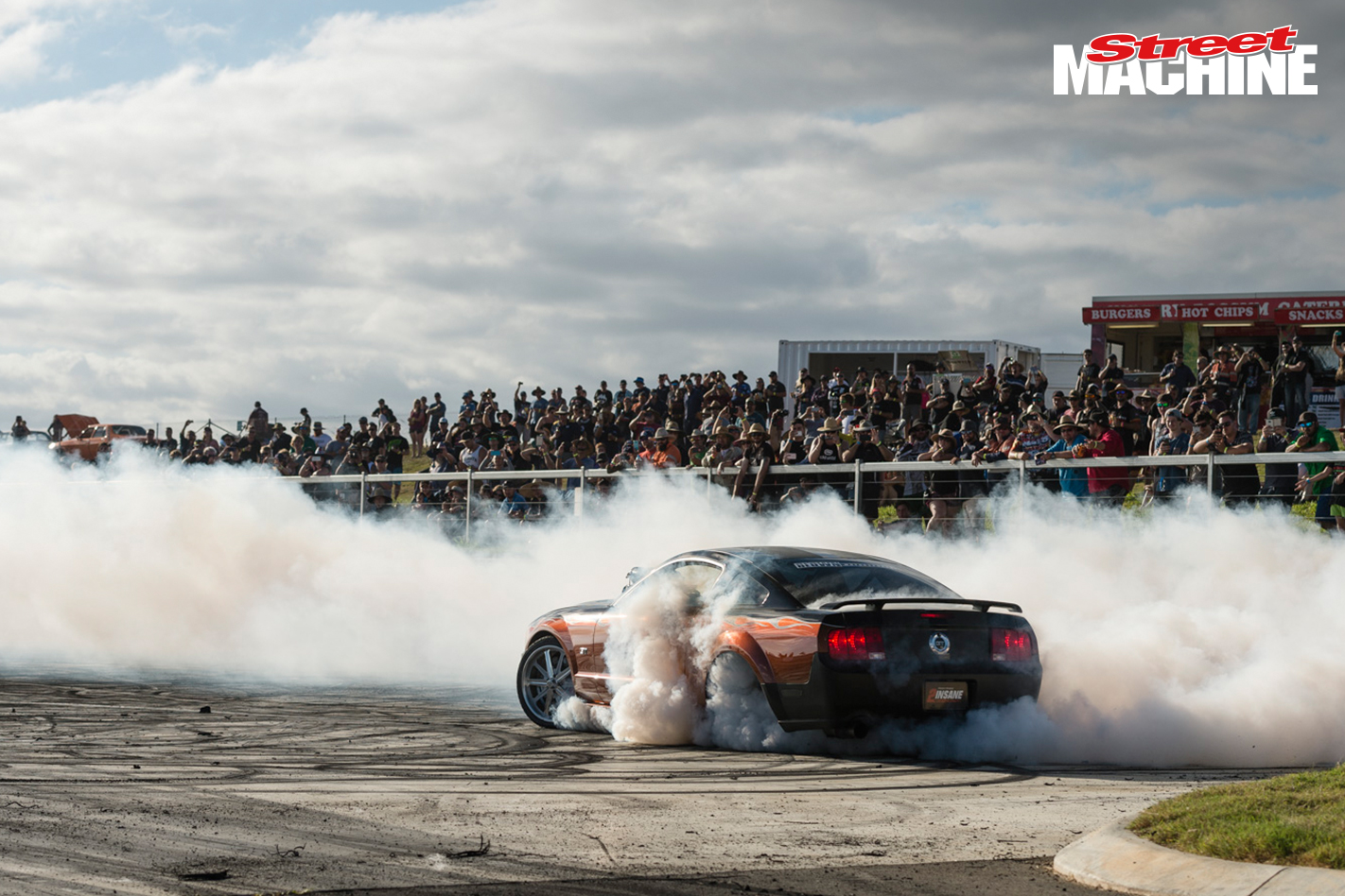 Gary Myers 2INSANE Mustang Burnout