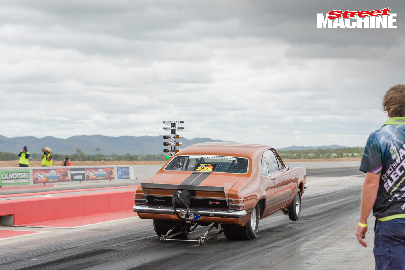 HT Holden Monaro Drag Race