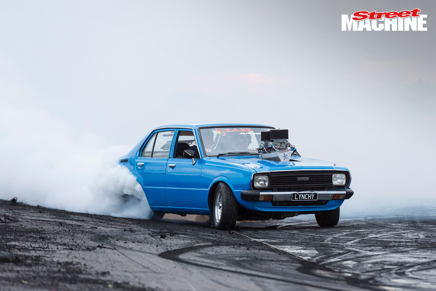 Lynchy V8 Corolla Burnout Steven Loader