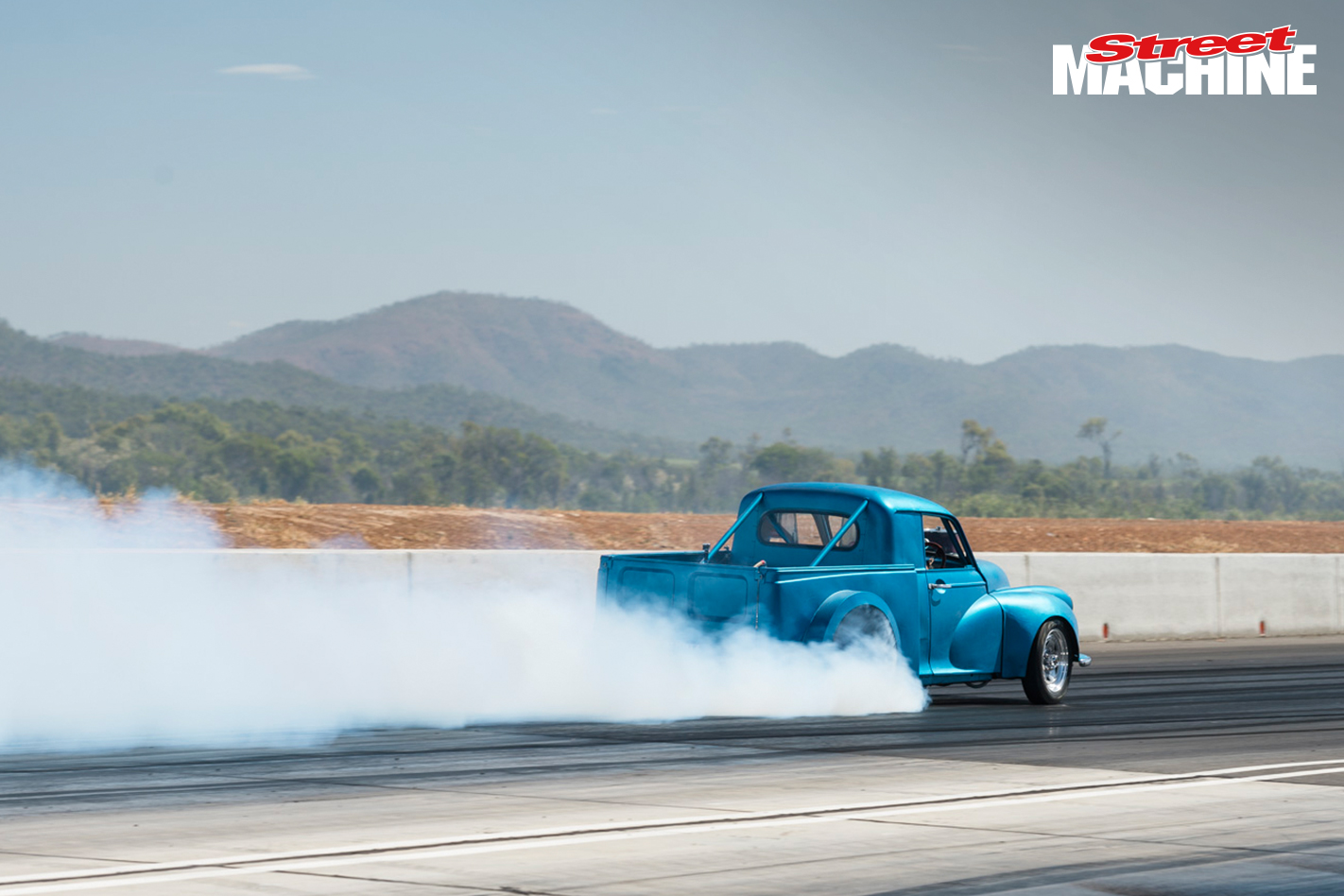 Morris Ute V8 Burnout