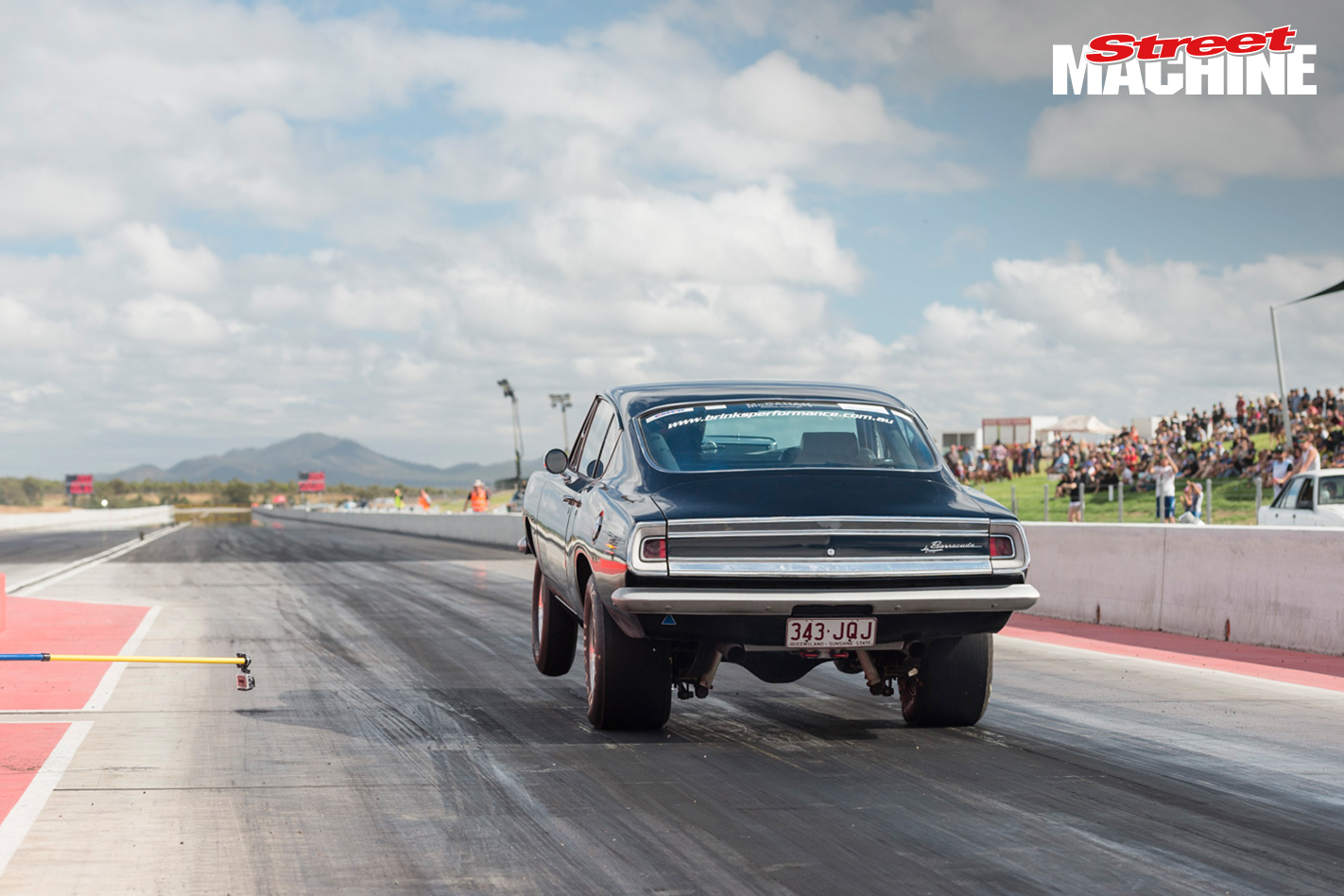 Plymouth Barracuda Drag Race
