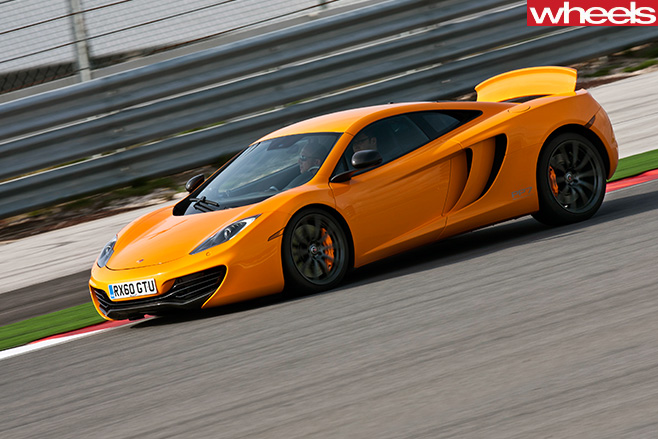 Mc Laren -MP4-12-C-side