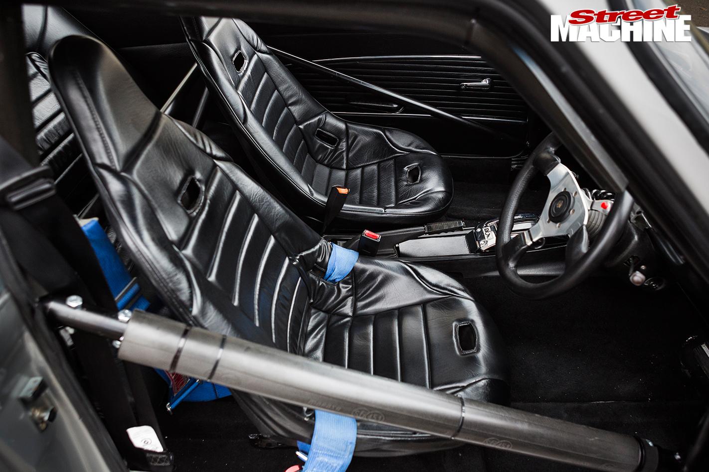 Ford -Capri -interior -front