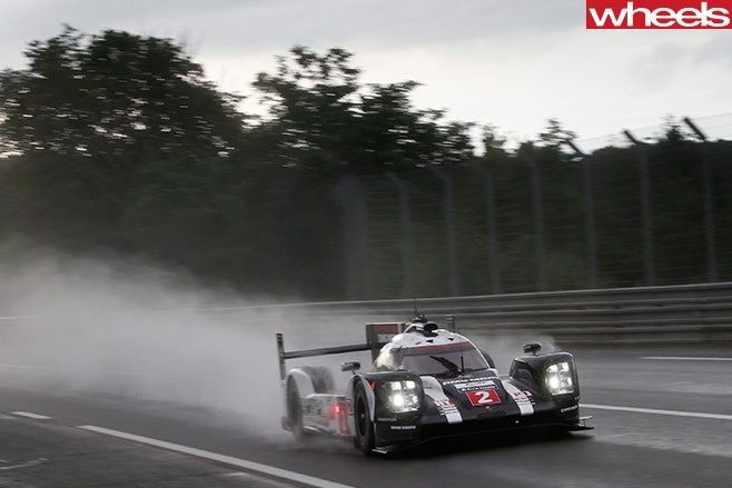 Porsche -racing -Le -Mans -car