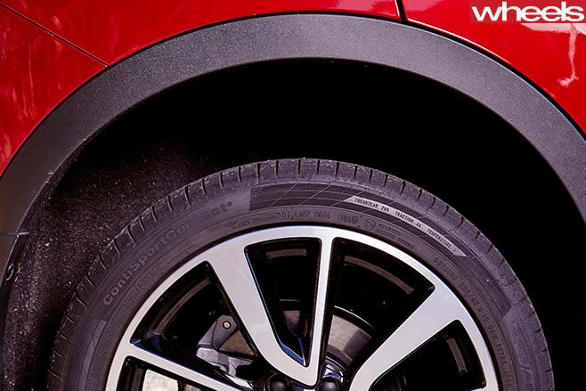Nissan -Qashqai -SUV-wheels