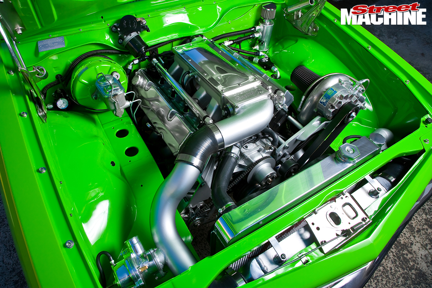Holden -Torana -LX-Hatch -front -engine -bay