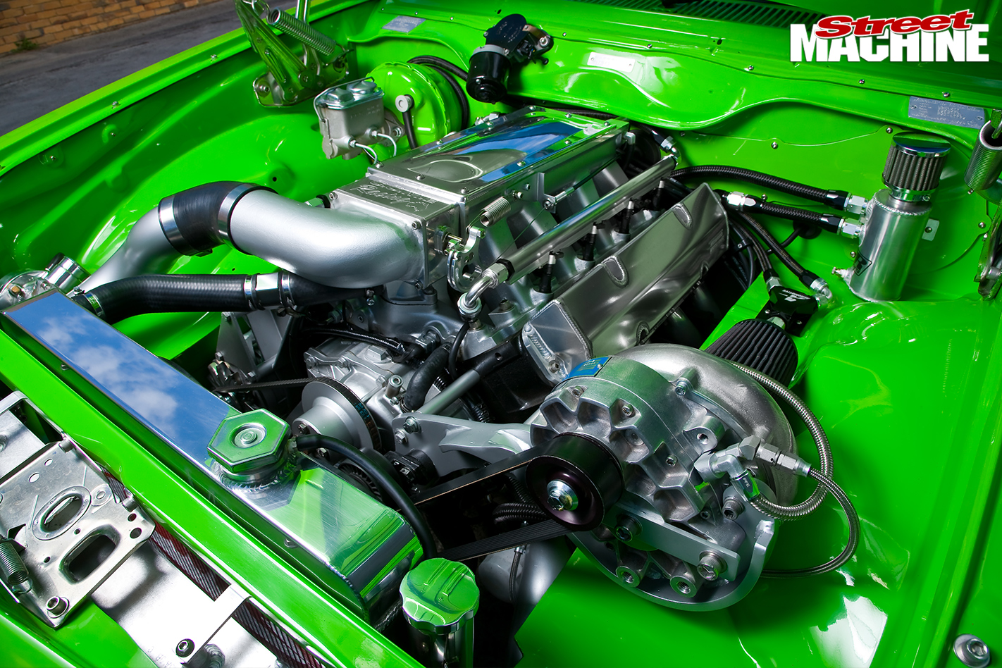 Holden -Torana -LX-Hatch -front -engine -detail -2