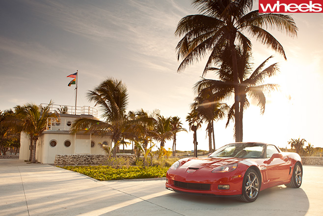 Chevrolet -Corvette -front -side -at -beach