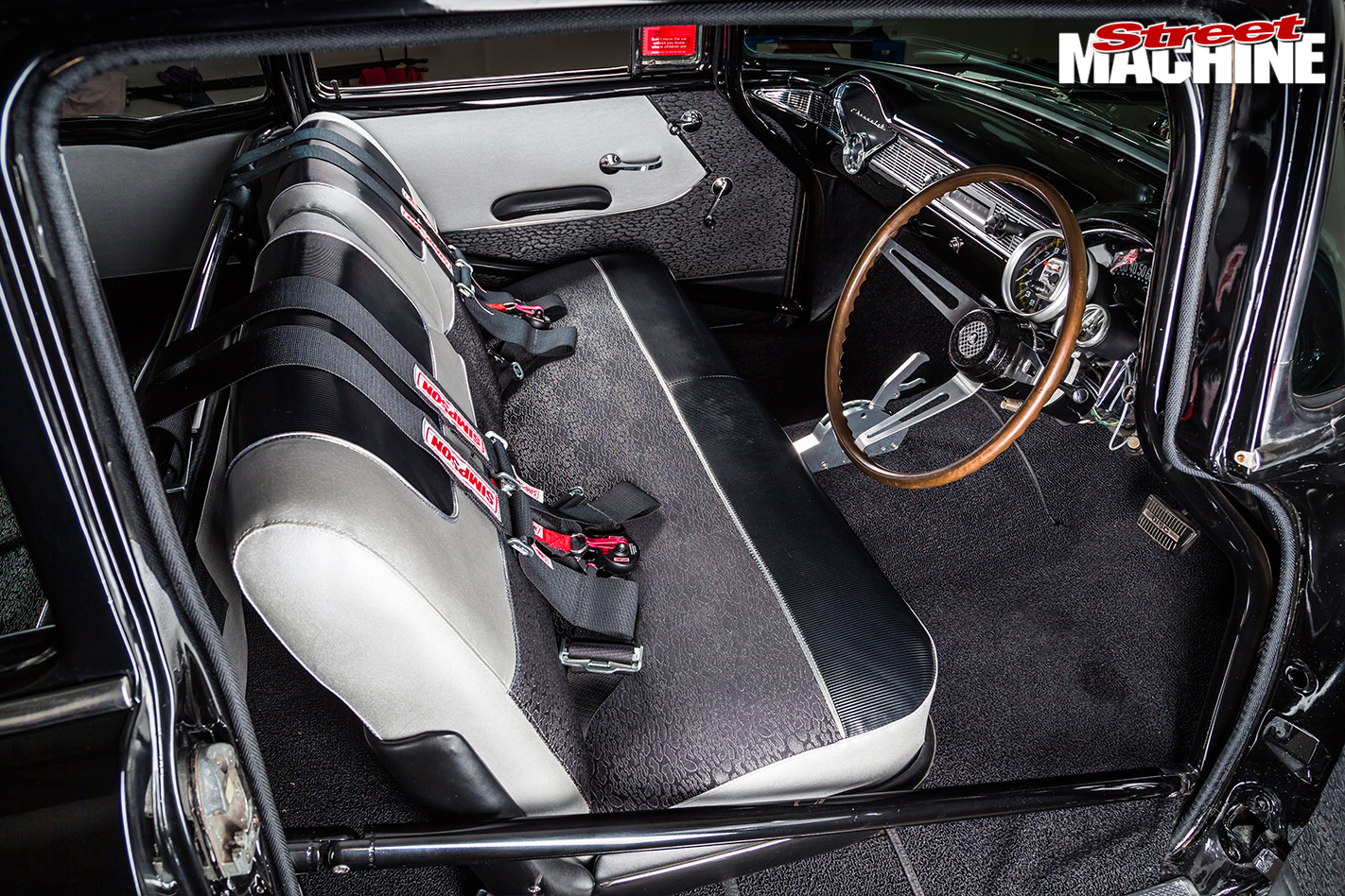1957-Chevrolet -interior -front