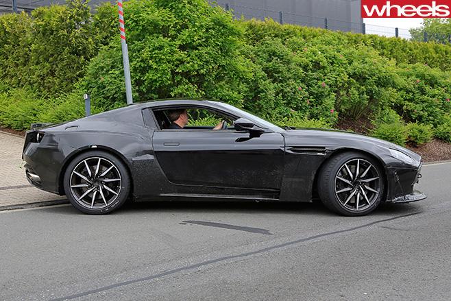 Aston -Martin -Vantage -side
