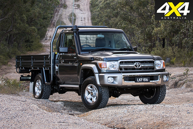 Toyota LandCruiser 70 Series front
