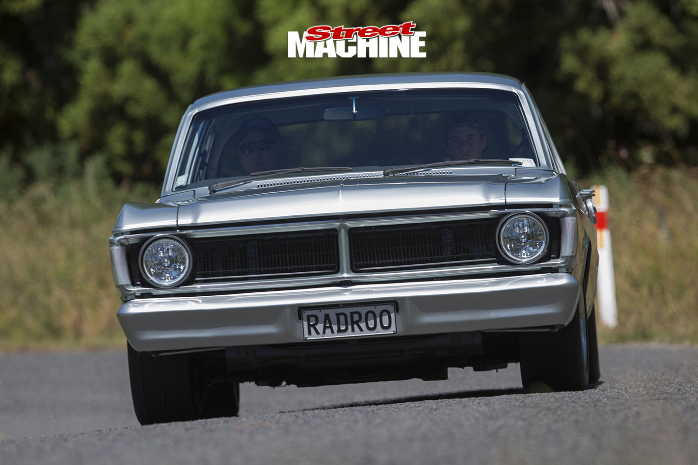Ford -XY-Falcon -onroad -front -view