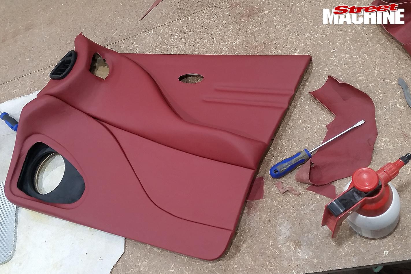 38-Pontiac -Laurentian -build -door -trim