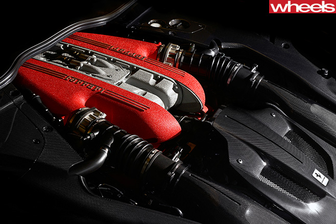 Ferrari -F12-tdf -engine