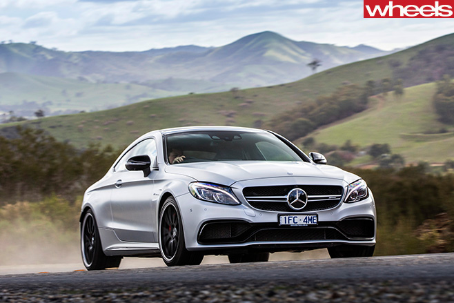 Mercedes -AMG-C63-Coupe -dirt -driving