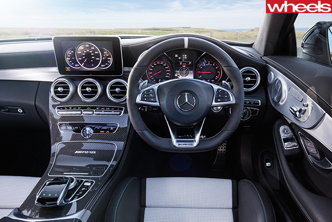 Mercedes -AMG-C63-Coupe -interior