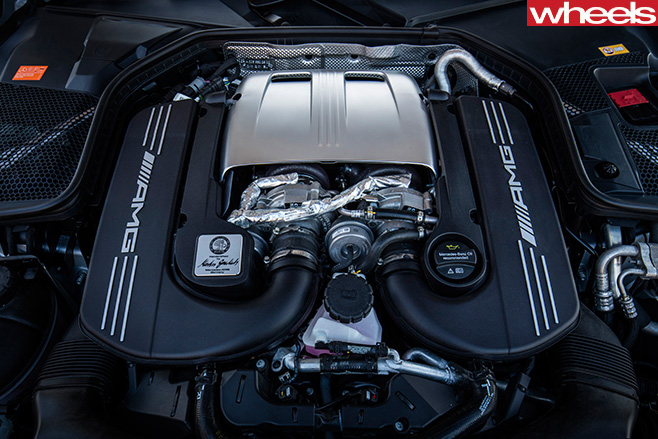 Mercedes -AMG-C63-Coupe -engine