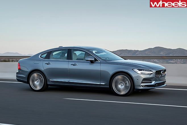 Volvo -S90-driving -front -on