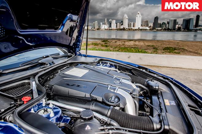 Mercedes Benz SL500 engine