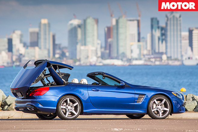 Mercedes-Benz SL500 fold roof