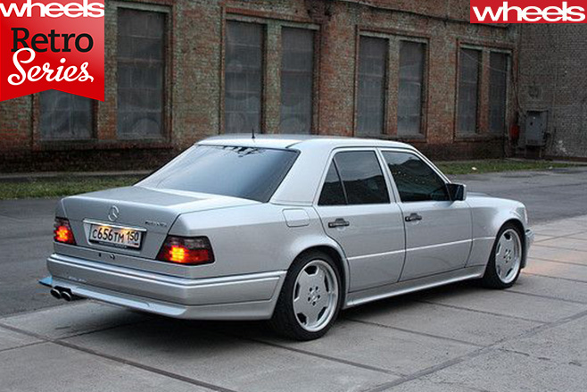 Mercedes -Benz -E500-rear -side -top