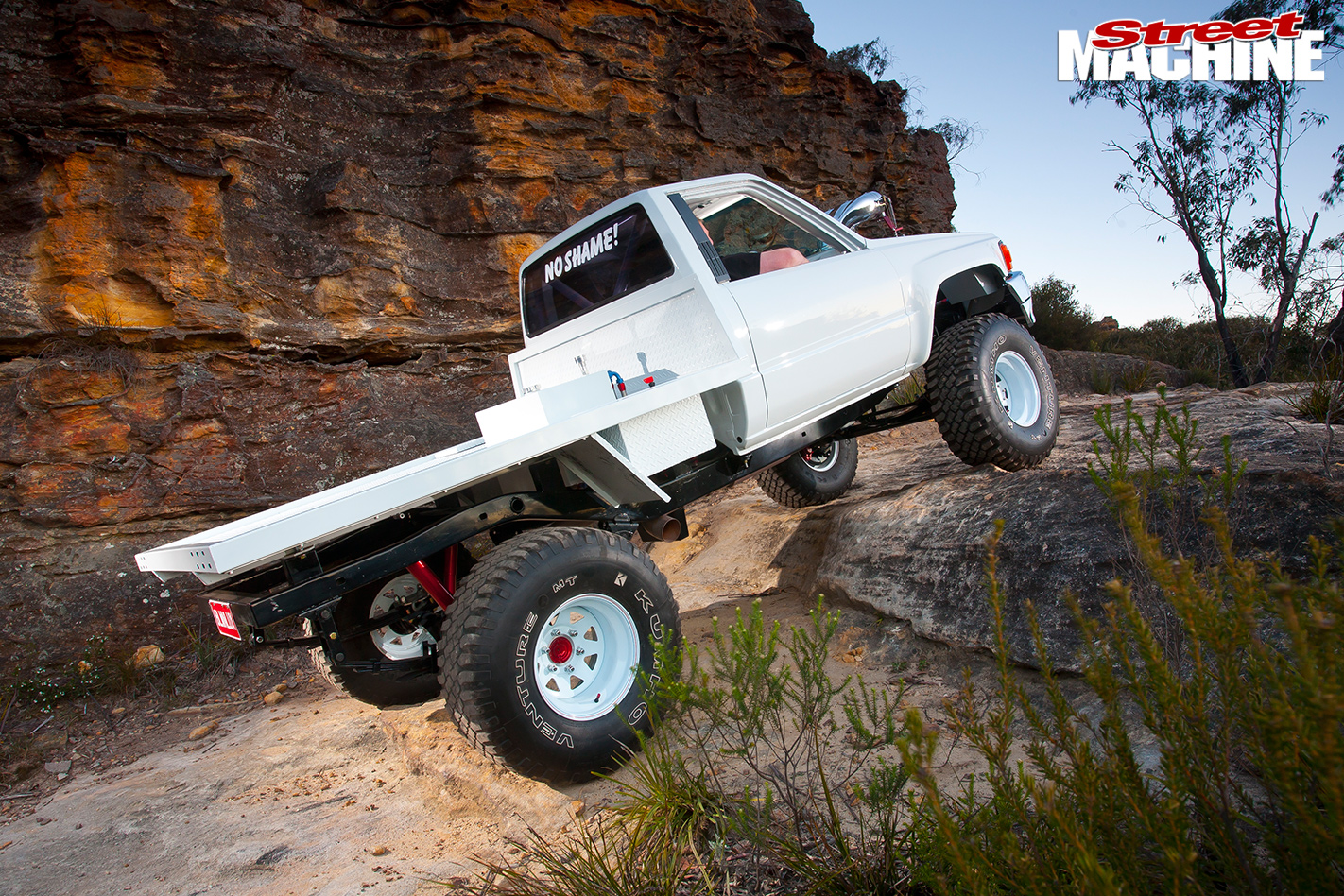 Toyota -Hilux -4x 4-trail -2