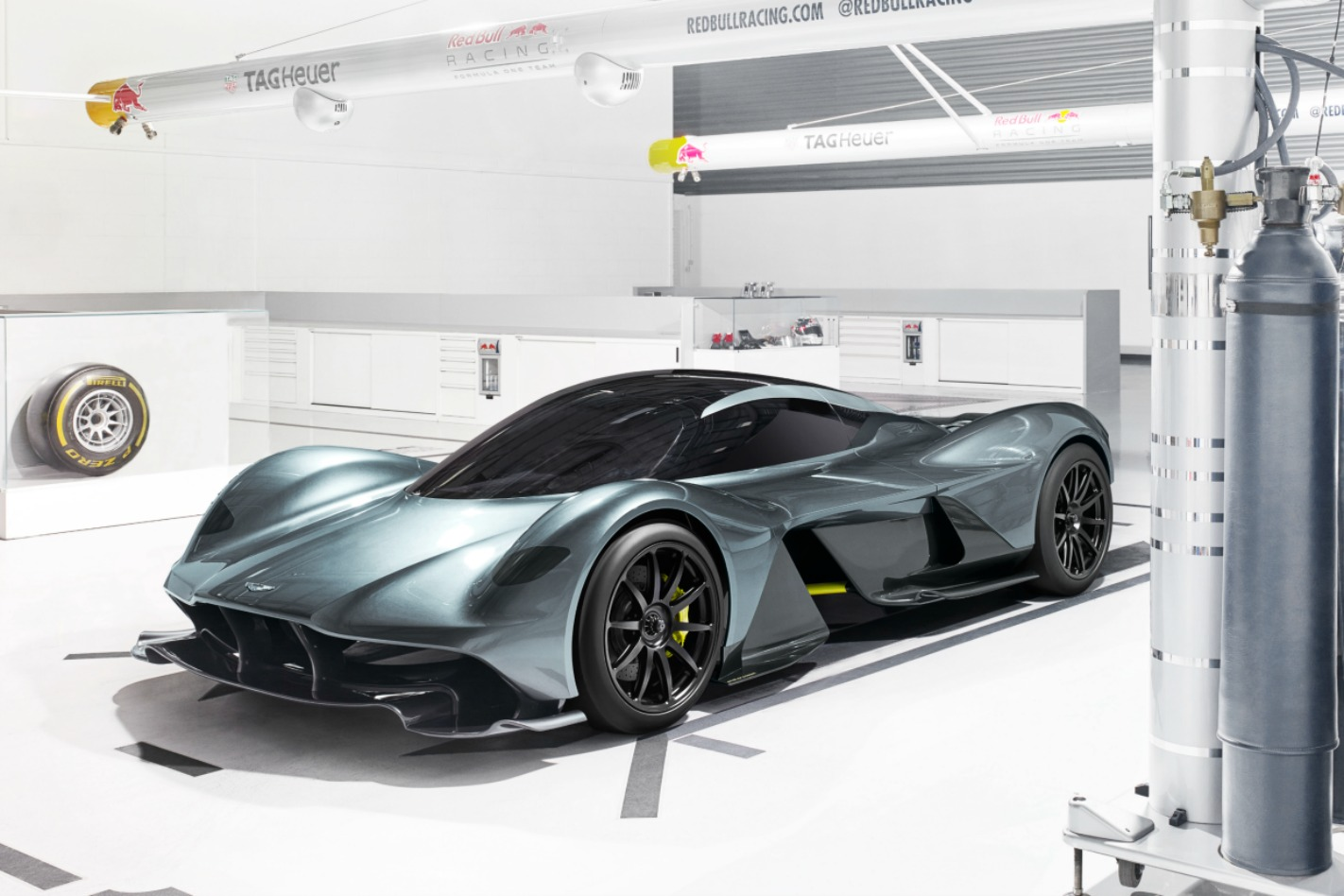 Aston Martin AM-RB 001 Front Quarter