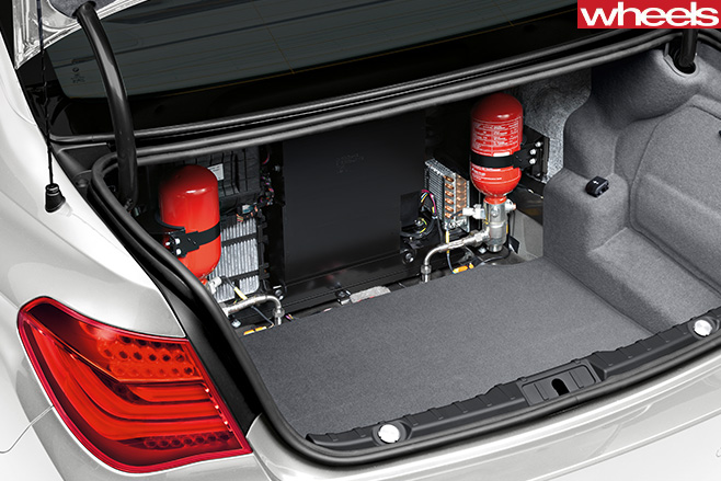 BMW-7-Series -rear -boot -bulletproof -inside