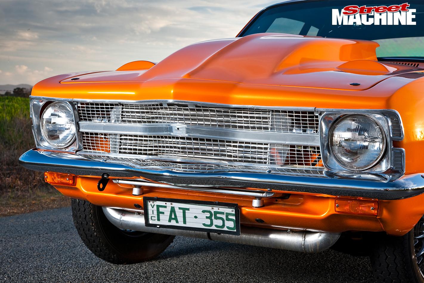 Holden -LC-Torana -grille -detail