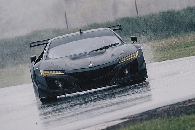 Honda -NSX-GT3-rain