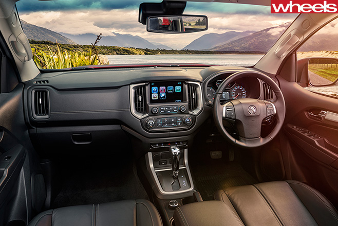 Holden -Colorado -interior