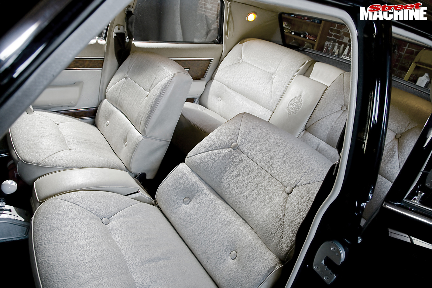 Holden -Brougham -interior -seats