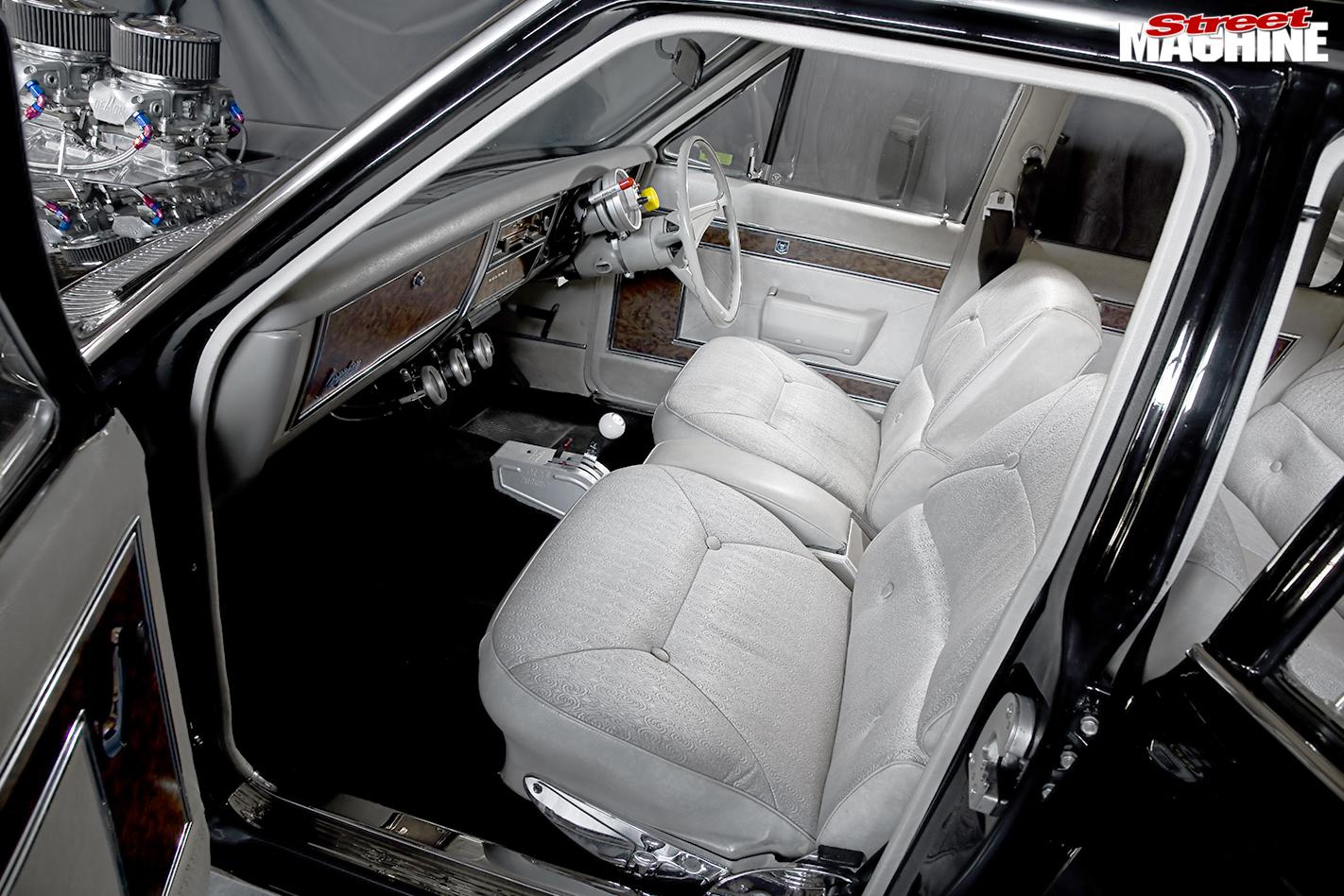 Holden -Brougham -interior