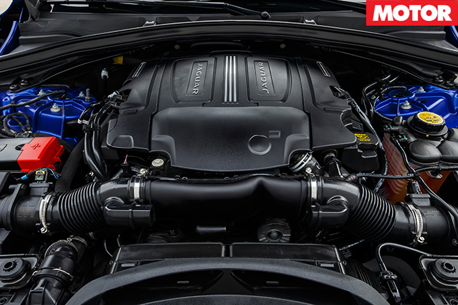 2016 Jaguar F-Pace engine