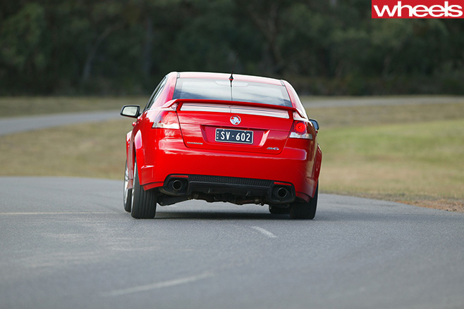 Holden -VE-Commodore -rear -driving