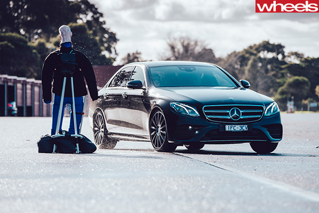 Mercedes -Benz -E-Class -automated -system -avoiding -pedestrian