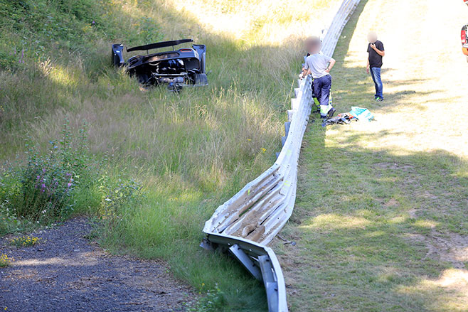 658_fence _Koenigsegg -One 1-Crash -007