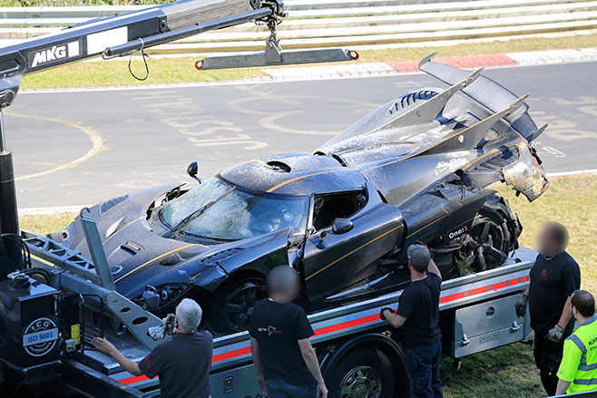 658_truck _Koenigsegg -One 1-Crash -015