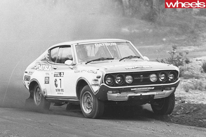 Rauno -Aaltonen -racing -Datsun