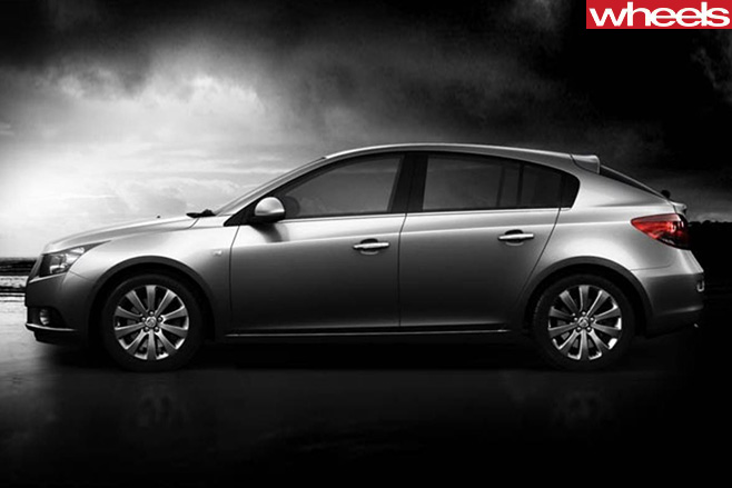 Holden -Cruze -black -and -white