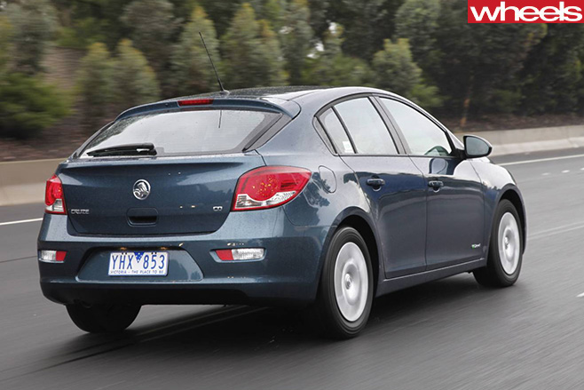 Holden -Cruze -driving -rear