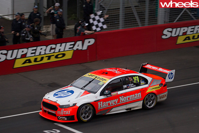 Ford -Supercars -racing -top -side