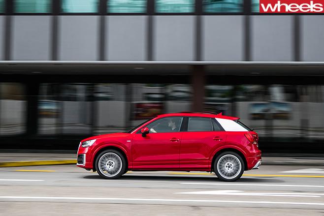 Audi -Q2-side -driving