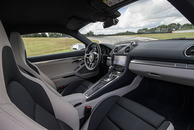 658_Porsche -718-Cayman -first -drive -review _interior